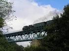 Uhranka v nedeľu na viadukte pred výhybňou Papraď